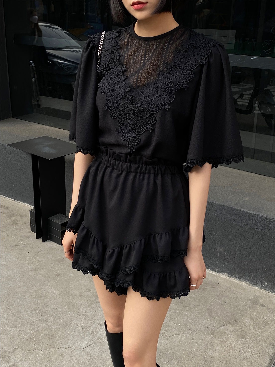 V flower lace two-piece (black)